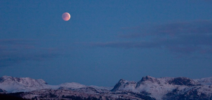 lunar eclipse over langdale pikes